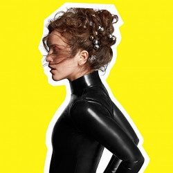 Rae Morris - Someone out...